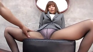 Suzu Tsubaki about sexy feet loves arrogantly a footjob to their way husband